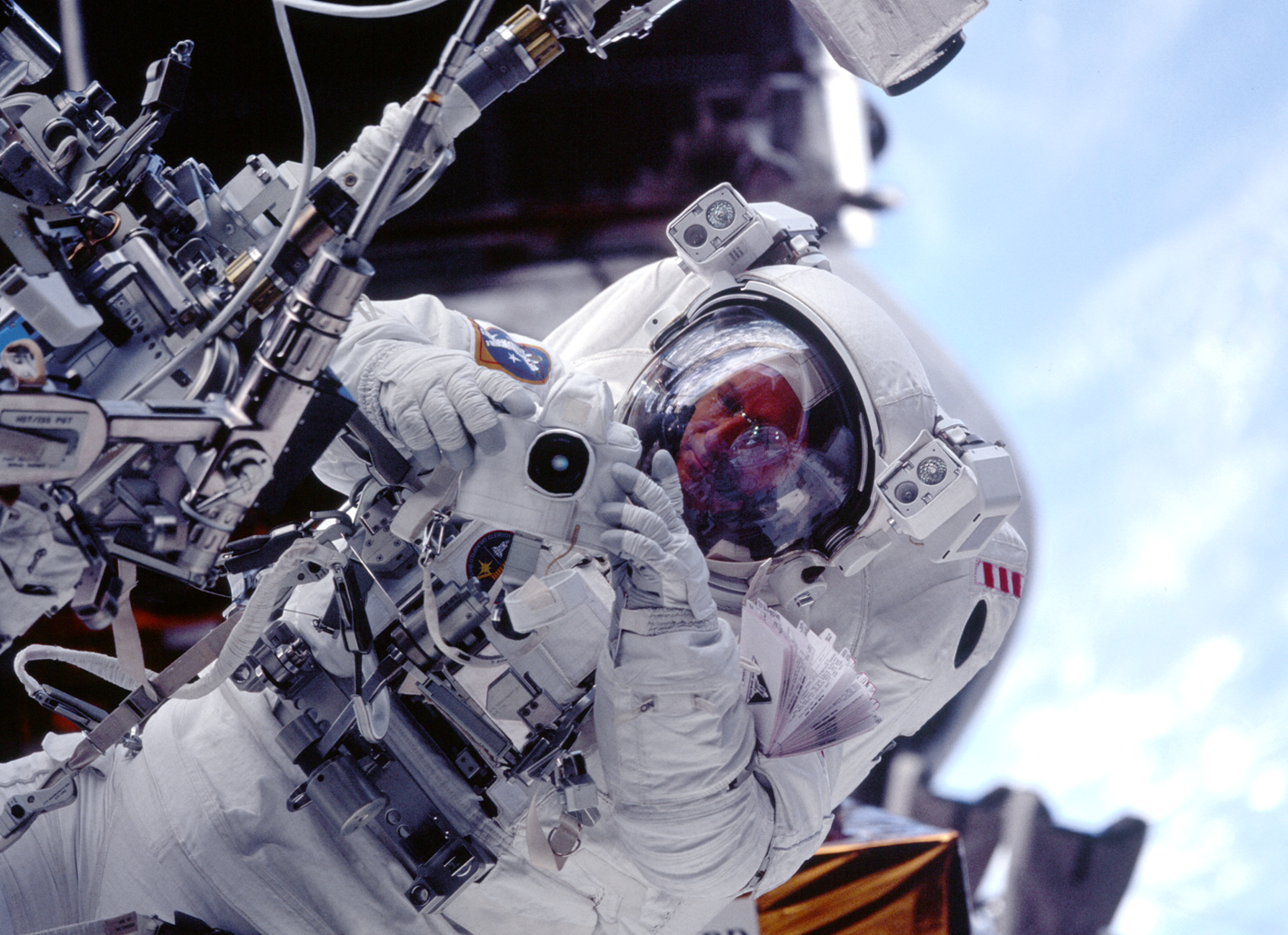 Photo-10-1-STS-103-EVA-2.png